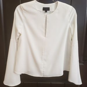 INTERMIX White Blouse. Bell Sleeve. size petite